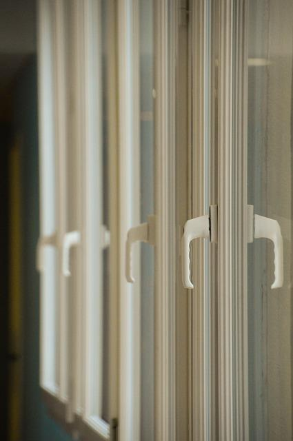 PVC okna lahko dobro izkoristimo pri opremljanju stanovanja
